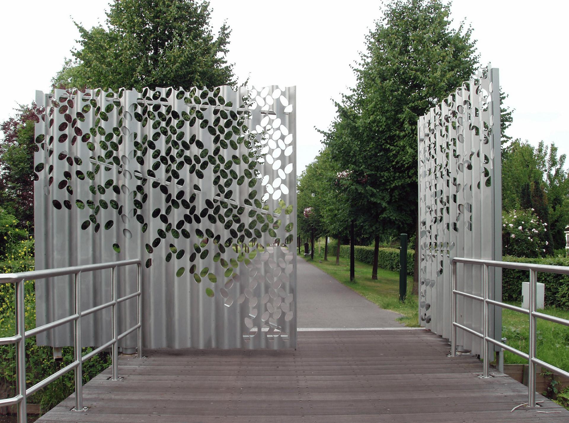 Gate and bridge park Frankendael, Amsterdam